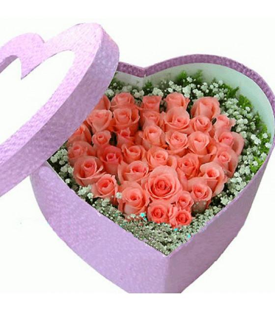 Տուփով ծաղիկներ 35 վարդ