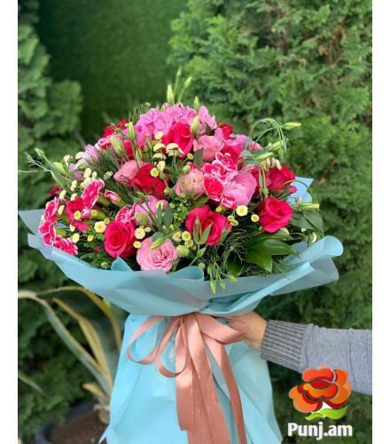 Փունջ վարդերով և լիզիանտուսներով